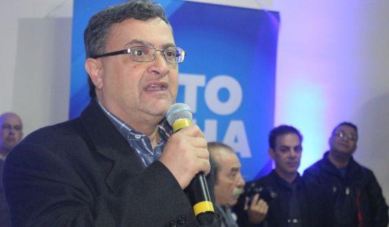 Michele Caputo registra candidatura a deputado estadual