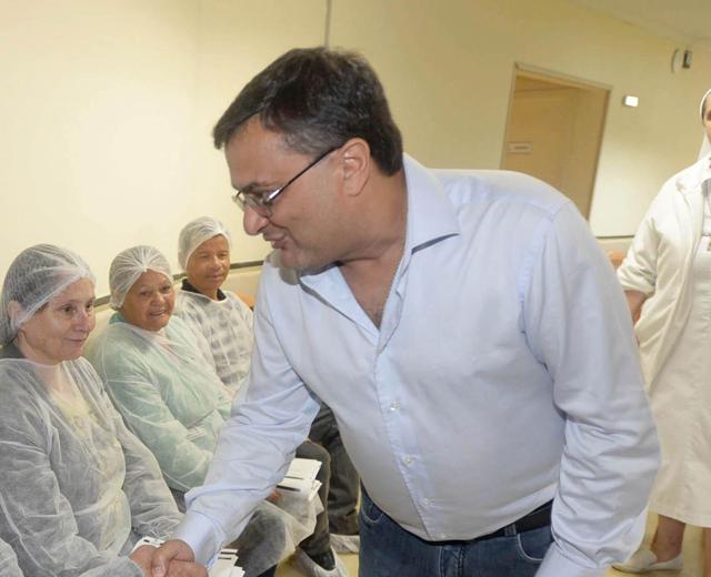 Michele Caputo repassa R$ 2,7 milhões para Santa Casa de Maringá