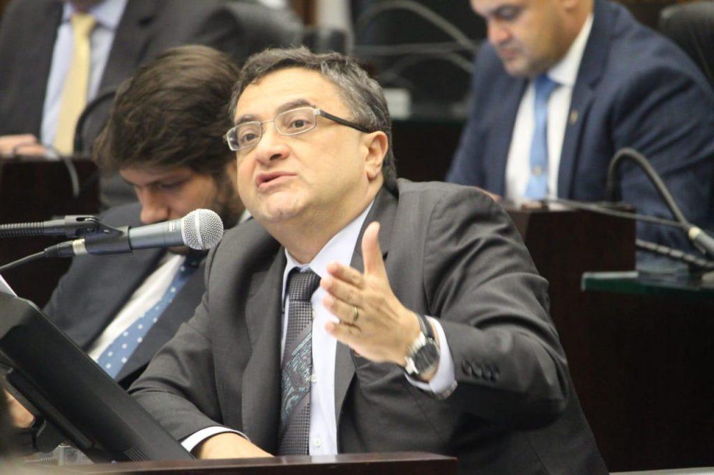 Michele Caputo defende hospitais universitários e governo promete antecipar repasses