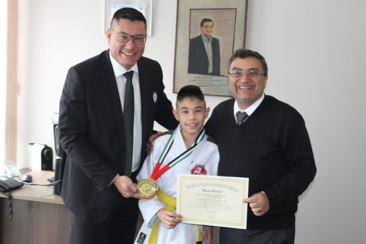 Atleta paranaense foi campeão mundial de jiu-jitsu