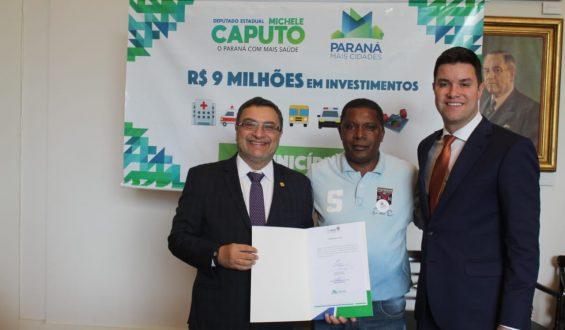 Deputado Michele Caputo garante van para a cidade de Paranavaí