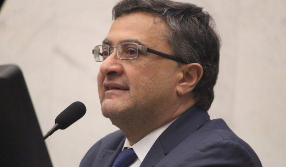 Michele Caputo defende retorno das horas extras para servidores de hospitais universitários