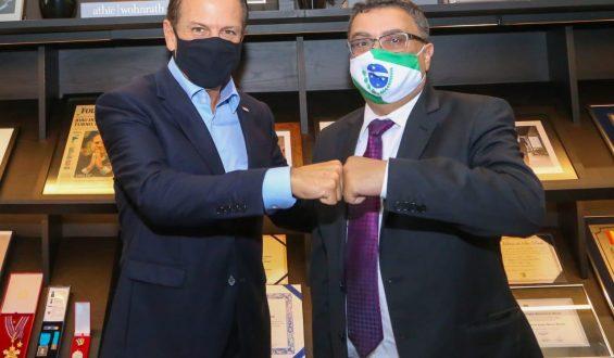 Michele Caputo se reúne com Dória e conhece estrutura paulista de combate ao coronavírus